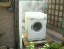 暴れる洗濯機