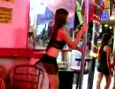 Ladies and Ladyboy dancing in パタヤ. (Part 3)(5-2007)