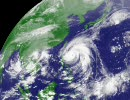 台風13号(メーギー) の画像を繋げてみました