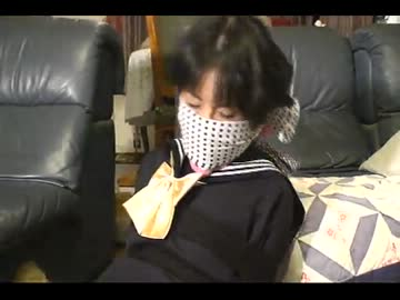 制服コスプレの女子を着衣緊縛厳重猿轡② - ニコニコ動画
