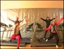 アメリカ人に「進撃の巨人」のOPを踊らせてみた thumbnail
