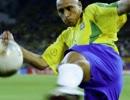 恐ろしいフリーキックを蹴るサッカー選手トップ10+α thumbnail