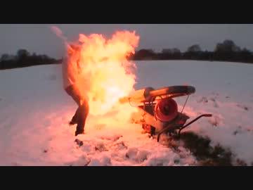 【動画】【マジキチ企画】雪でお困りの方にジェットエンジン雪かき【エクストリーム雪かき】