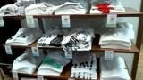 ジーンズメイトで優秀作品のTシャツ売ってます!!