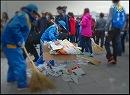 【新唐人】「10.1」 天安門広場から3.5トンのゴミ回収