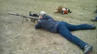 サプレッサー付き対物ライフル(M82)