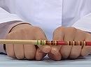 科学実験!いろんな棒を指で支えてみよう!【科学でワオ!365】