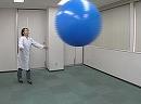 科学実験!大中小の風船を投げてみよう!【科学でワオ!365】