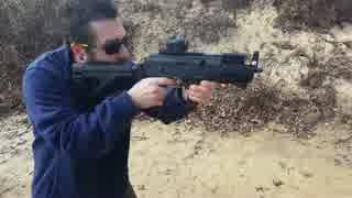 拳銃弾を使用するAKベースの銃 PAK-9ピストル