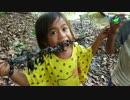 第38位:カンボジアの子供たちのおやつ「サソリの串焼き」 thumbnail