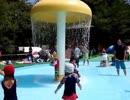 【関西サイクルスポーツセンター:プール】水のカーテンや水の出る遊具で遊んだよ!Playing at water park slider! 水遊び お出かけ