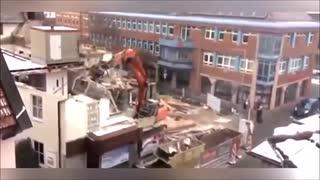 重機事故動画