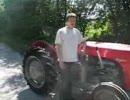外人さんが改造したトラクターで疾走w thumbnail