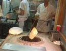 愛・地球博(愛知万博) バングラデシュ館でのナン作り