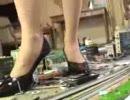 【鉄道ファン涙目】女性が鉄道模型をメチャクチャに壊すAV thumbnail