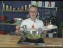 (英語音声)Spicy Green Chicken Curry - Thai food cooking demonstration