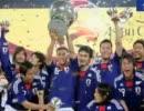 サッカー日本代表画像で胸篤