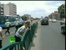 中国、光の速さで道路フェンス崩壊。