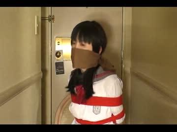 サテンの着物を着た熟女の緊縛動画 : 猿轡動画サイ …