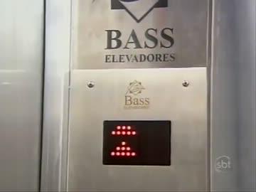 シンドラー社より数倍怖いエレベーター - ニコニコ動画