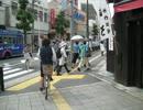 歩道では自転車から降りましょう