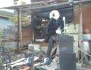 全焼した我が家の前でエアギター+アカペ