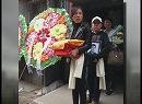 【新唐人】夏俊峰さんの葬儀 大勢の民衆が哀悼