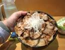 【大盛り】ホエーどん亭の 十勝豚丼特大1kg @品川