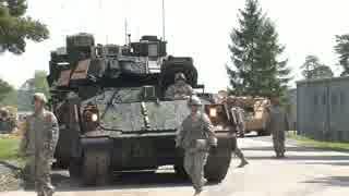 M2ブラッドレー歩兵戦闘車 射撃演習の様子