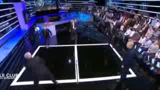 ヴェンゲルがサッカーテニスに挑戦!!