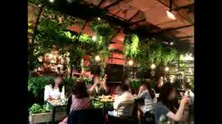 花に囲まれたカフェ『青山フラワーマーケ