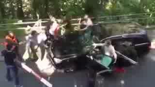 イスラム系移民らに車から引きずり出され