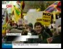 【CNN日本語音声】ロンドンでの聖火リレーに大規模抗議
