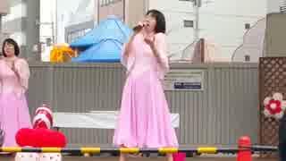 阿佐ヶ谷姉妹の姉、渡辺江里子が美声を響かせる