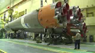ソユーズ2.1aロケットの組み立て