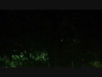 軍人墓地に現れた…謎の発光体が…□