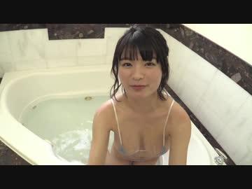 巨乳JKに風呂で手コキしてもらう動画
