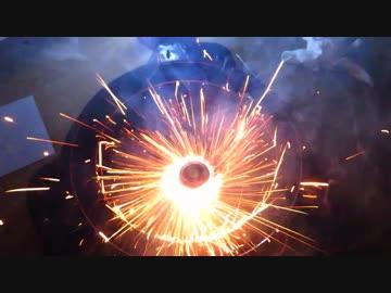 ベイブレードに花火仕込んで加速させる動画