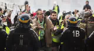 いもいもの作画崩壊で大規模デモが起こった【フランス】