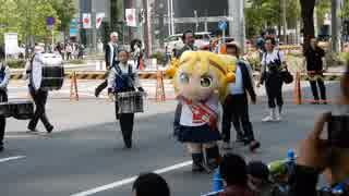 おおきな八十亀ちゃん。名駅前を闊歩する