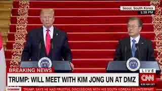 米韓首脳会談後のトランプ大統領と文在寅