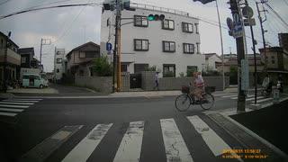 信号無視する自転車