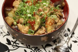 【料理】ジジイババアも飛び跳ねるほど大喜び!味噌ナス丼【敬老編】