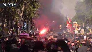 黄色い抗議45週目:パリ警察が催涙ガス発射し暴動鎮圧で100人以上逮捕