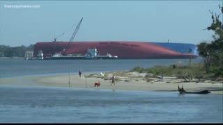 韓国の転覆貨物船ゴールデンレイの侵食を遅らせる為に持ち込まれた6千トンの岩