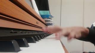 永遠のピアノ初心者がファミマの入店音を適当に弾いてみた