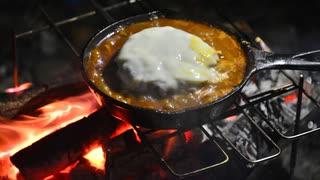 ココキャン 第8話『寒空の下、煮込みハンバーグで』
