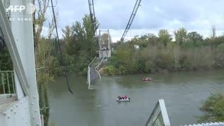 仏の長さ150m重量制限19tのつり橋を50t超過トラック渡り対向車巻込み崩落