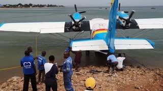 【コンゴ民主共和国】自作飛行機(飛行艇)