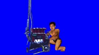 発電機を修理する先輩BB